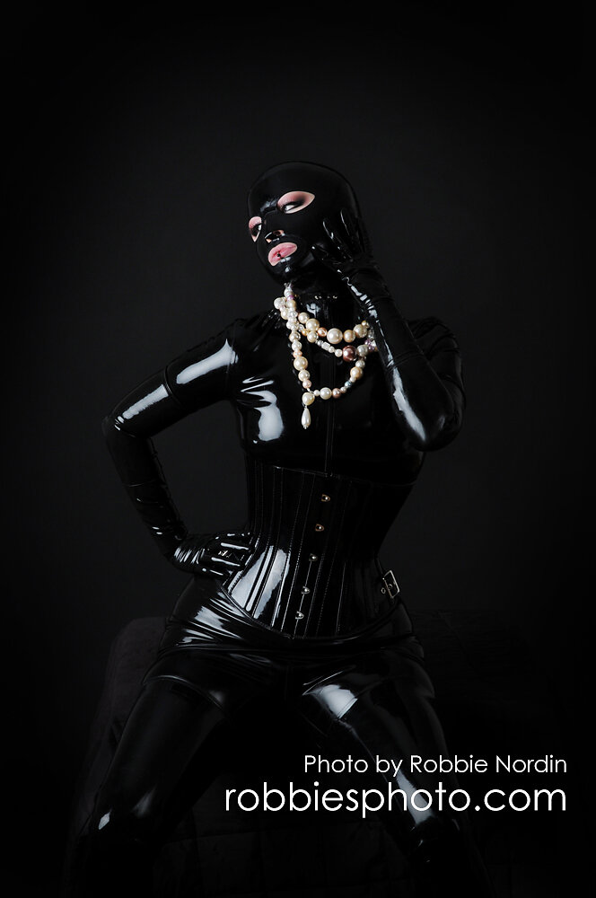 Very Black 1
