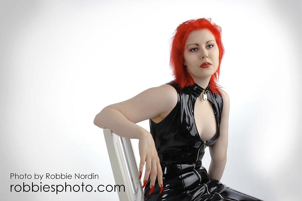 Cynda Red 3