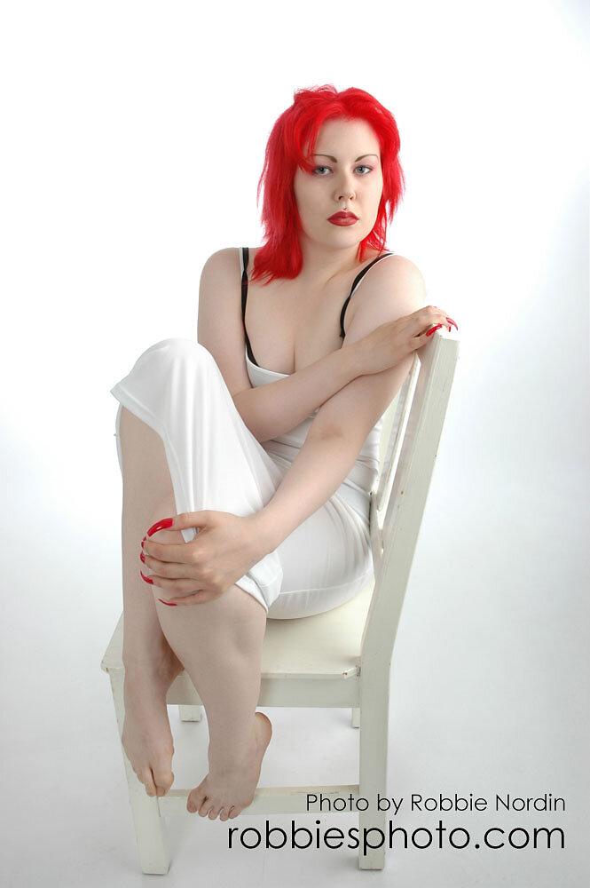 Cynda Red 8